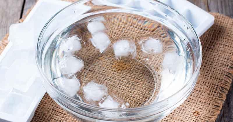 agua-com-gelo